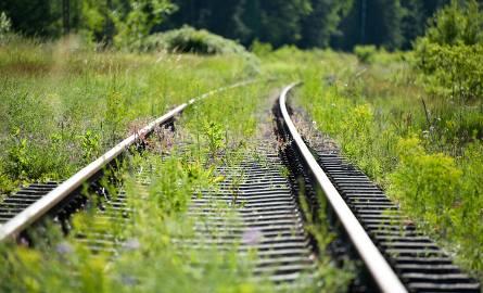 Zatrzymał pociąg 10 metrów od mężczyzny leżącego na torach