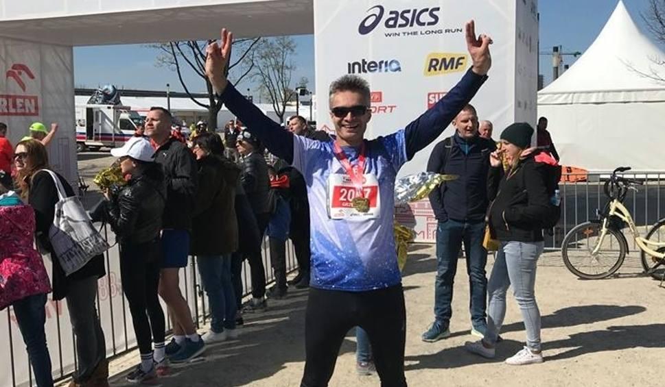 Film do artykułu: Wójt gminy Rytwiany Grzegorz Forkasiewicz ukończył pierwszy w życiu maraton z czasem 4 godziny 18 minut i 47 sekund