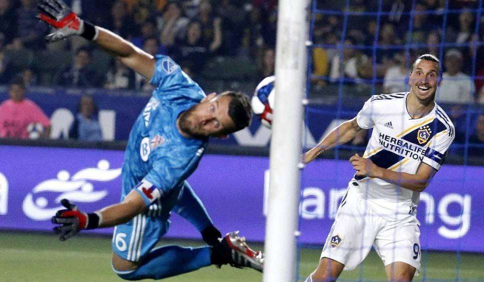 Film do artykułu: Sensacyjny zwrot w sprawie transferu Zlatana Ibrahimovicia. Zamiast do Manchesteru United, albo Milanu może trafić do... Bolonii