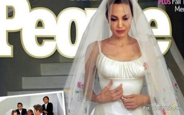 e192e4cb74 Taką suknię ślubną miała Angelina Jolie