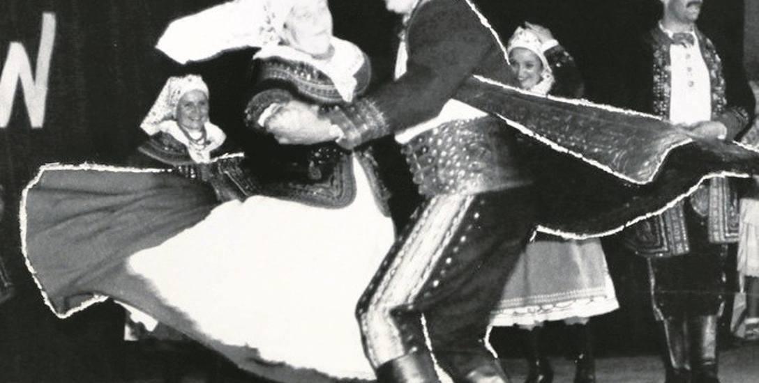 Na jubileuszu 20-leciu Lachów tak tańczyli Józef Unold i Barbara Godfreyow, która przez wiele lat była kronikarzem tego zespołu