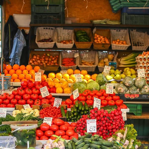Ceny warzyw i owoców 2019 na Pomorzu. Ile kosztuje pietruszka? Ile zapłacimy za truskawki i czereśnie? RAPORT CEN Z POMORZA