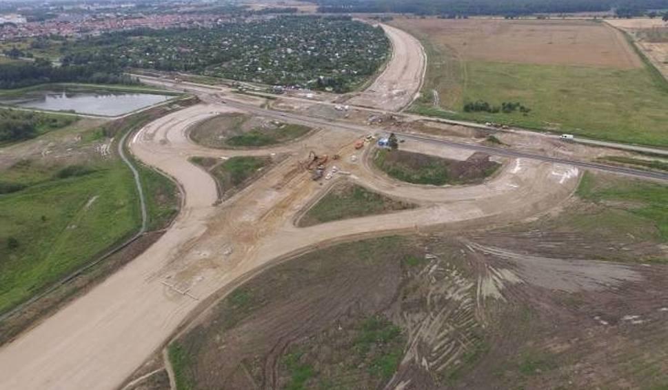 Film do artykułu: Wokół budowy drogi S6 - Komisja Europejska pisze do rządu