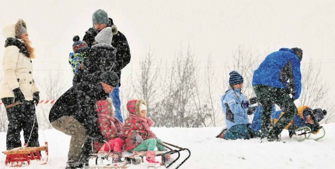 Ferie to czas na zimowe zabawy i sporty. Tańsze będą bilety na lodowiska.
