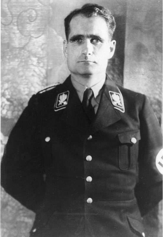 Rudolf Hess, prawa ręka Hitlera był jednym z czołowych wyznawców okultystycznych teorii nazistów.