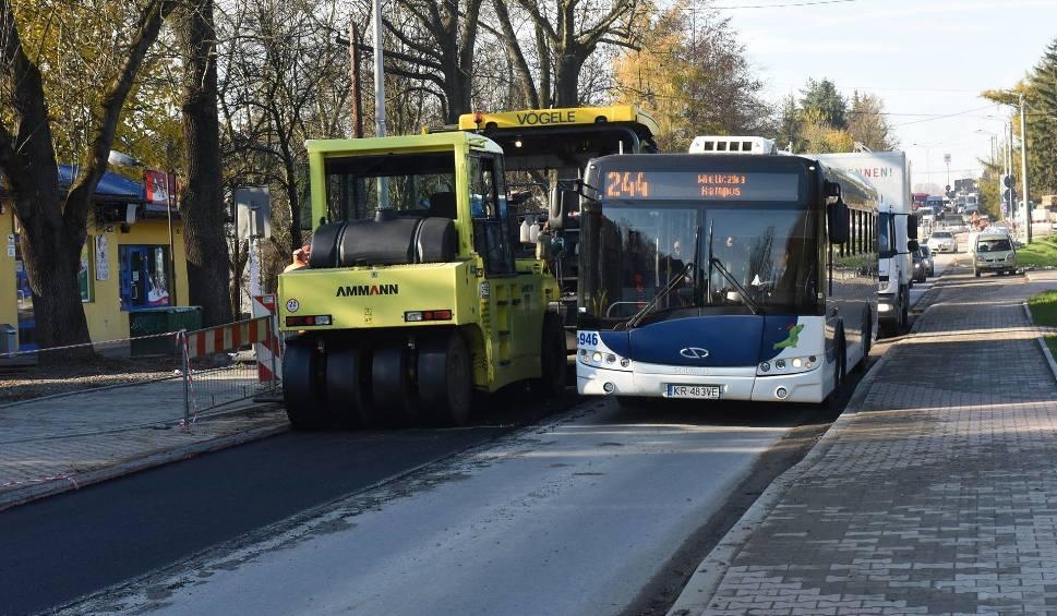 Film do artykułu: Wieliczka. Na wjeździe do miasta ma być ciaśniej, ale bezpieczniej