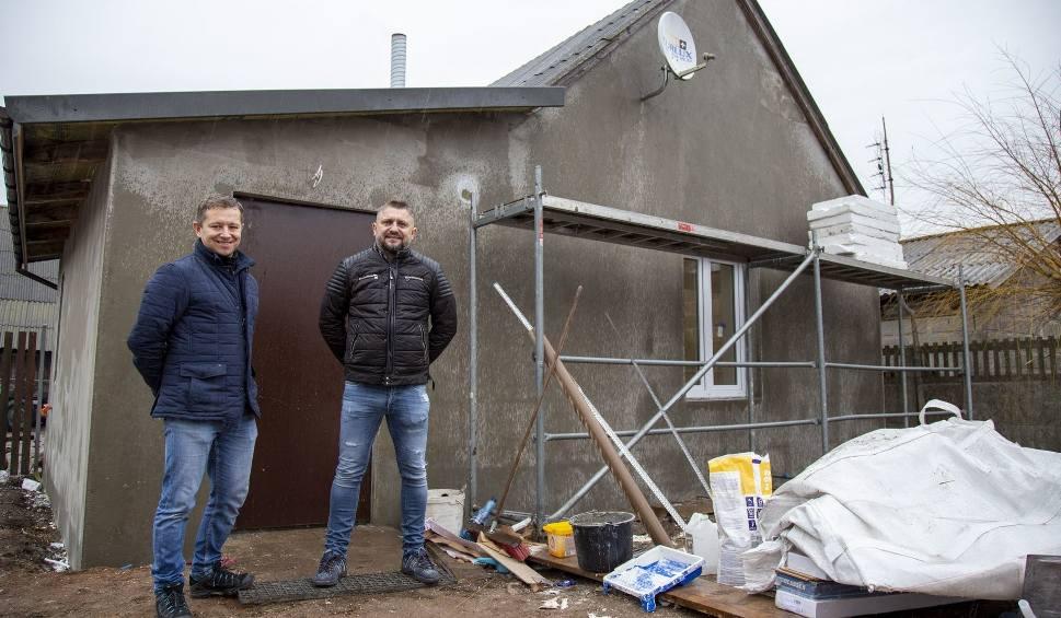 Film do artykułu: Wspaniała akcja! Wyremontowali dom potrzebującej rodziny z gminy Morawica. Zobaczcie zdjęcia i film
