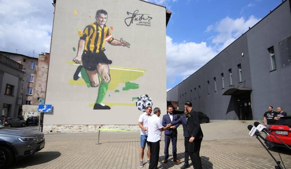 Film do artykułu: GKS Katowice. Mural Jana Furtoka oficjalnie odsłonięty. Uroczystość z udziałem legendy katowickiej GieKSy