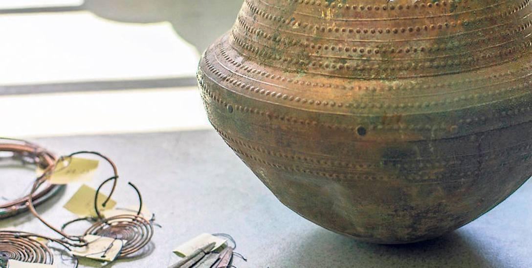 W tym garncu został znaleziony skarb, w tym głównie biżuteria. Według muzealników prawdopodobnie jest to największy skarb archeologiczny w Polsce