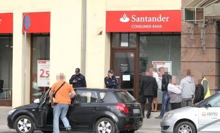 Napad na bank przy Piłsudskiego. Trwa obława