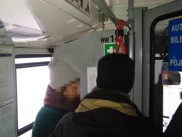 Kraków. Siłowa interwencja kontrolera w tramwaju. Zatrzymano ruch, interweniowała policja. Sprawa może mieć finał w sądzie [WIDEO, ZDJĘCIA]