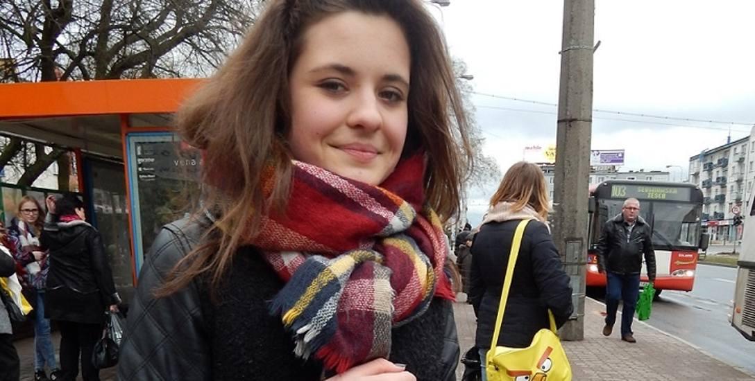 - Przydałby się przystanek autobusowy bliżej mojej szkoły - mówi Kornelia Sankowska, uczennica III LO przy ul. Warszawskiej.