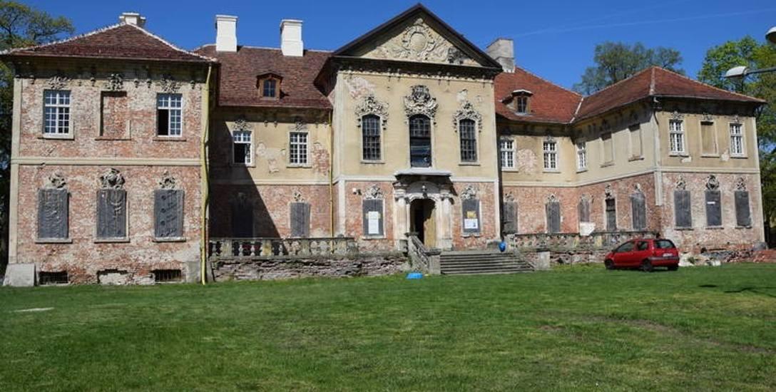Pałac w Bojadłach to jeden z najpiękniejszych zabytków w gminie.