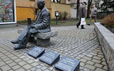 Pomnik Mariana Rejewskiego (na zdjęciu), kilka tablic (na dwie czekamy od ponad roku) i nieco publikacji - na tyle stać Bydgoszcz?