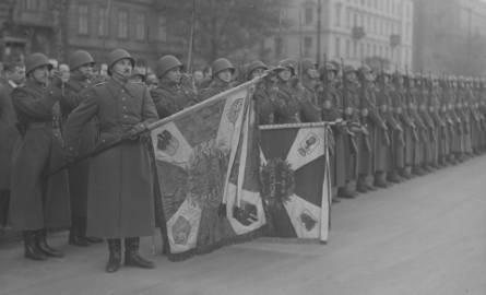 Defilada wojskowa w Bydgoszczy była nieodłącznym elementem Święta Żołnierza Polskiego, obchodzonego w II Rzeczpospolitej.