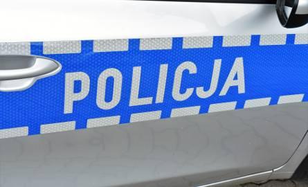 Myszyniec. Na widok policji zamienił się miejscem z pasażerką. Ta nie miała prawa jazdy, 26.01.2020
