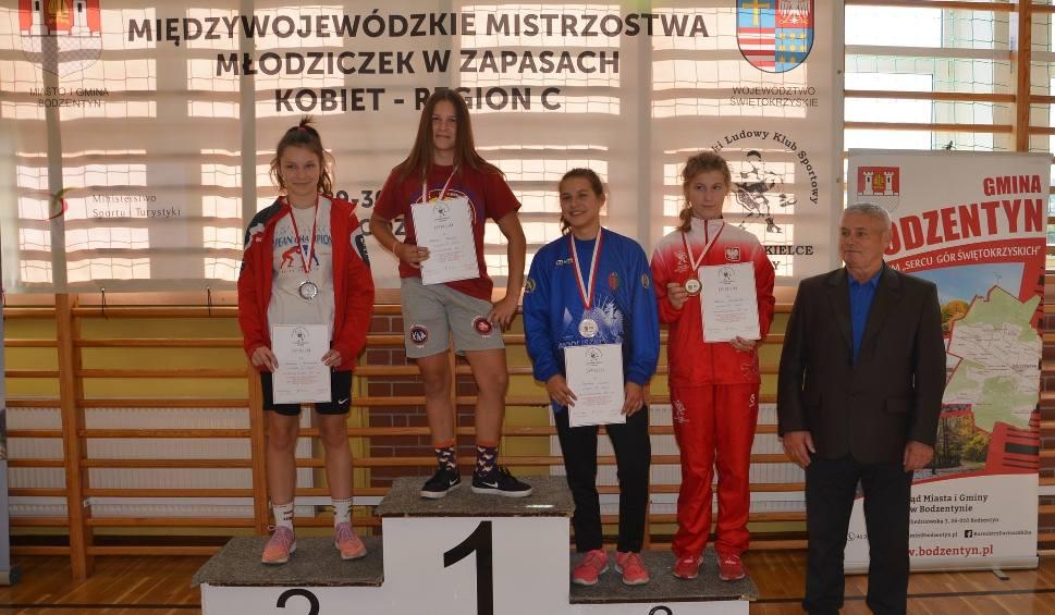 Film do artykułu: Trzy medale zapaśniczek Guliwera Kielce na Międzywojewódzkich Mistrzostwach Młodziczek [ZDJĘCIA]