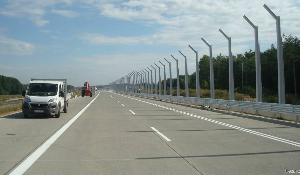 Film do artykułu: Budowa autostrady A1. W poniedziałek pojedziemy nową jezdnią od Radomska do granicy woj. śląskiego [ZDJĘCIA]