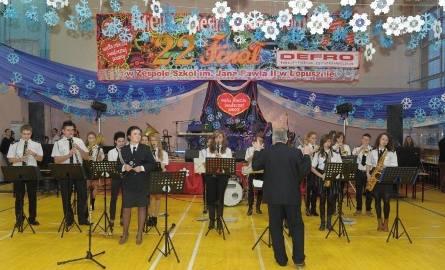 Podczas Orkiestry w Łopusznie koncert dała Orkiestra Dęta Ochotniczej Straży Pożarnej w Łopusznie.