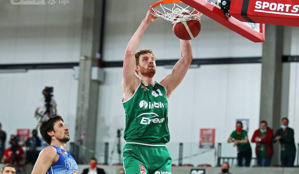 Film do artykułu: Koszykarze Enei Zastalu BC Zielona Góra przegrali szósty mecz finału Energa Basket Ligi i są wicemistrzami Polski