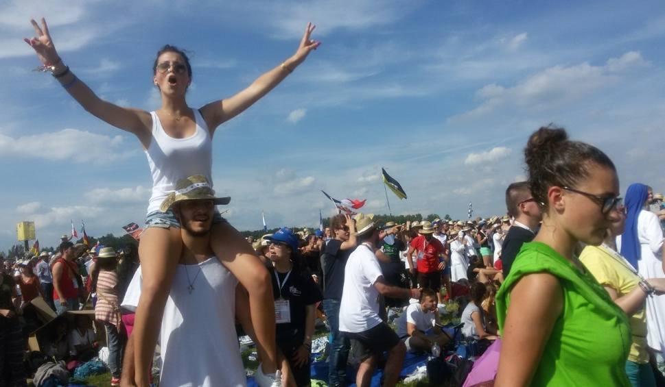 Film do artykułu: Światowe Dni Młodzieży: Tak bawią się pielgrzymi na Muchowcu [NOWE ZDJĘCIA]