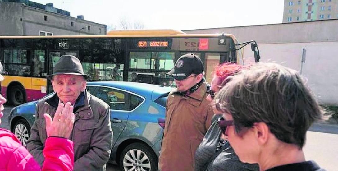 Już w kwietniu przeciw skróceniu linii 57 i skierowaniu w wąskie osiedlowe uliczki autobusu 85 protestowali mieszkańcy ul. Szklanej.