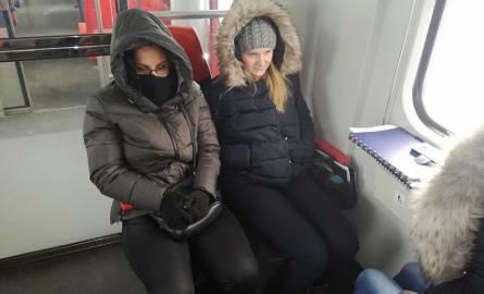 Awaria pociągu pod Koluszkami. Pasażerowie utknęli w unieruchomionym składzie [FILM]