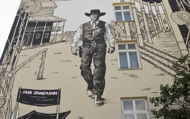 Zakończyły się prace nad muralem upamiętniającym Freda Zinnemanna, wybitnego reżysera urodzonego w Rzeszowie [WIDEO, PROGRAM OBCHODÓW]