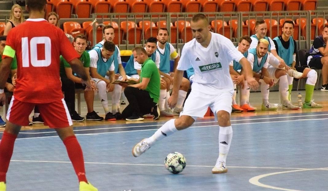 aaceedb263 Futsaliści BTS Rekord Bielsko-Biała w pierwszym meczu turnieju UEFA Futsal  Champions League rozbili mistrzów