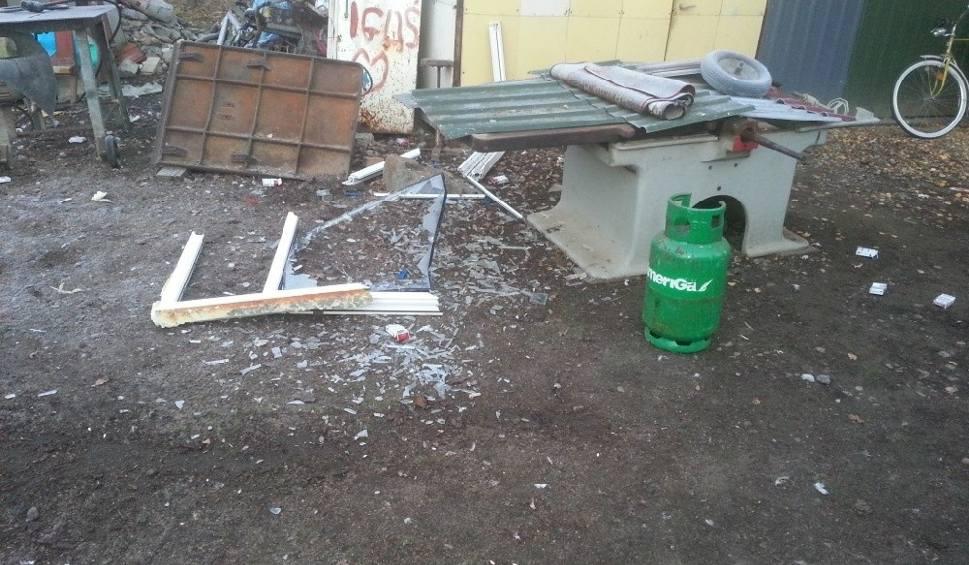 Film do artykułu: Wybuch w kuchni domu w Kółku Żabieckim. Mężczyzna poważnie poparzony