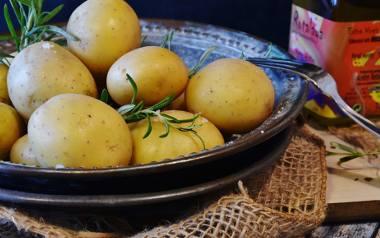 Dobrze przyprawione ziemniaki z grilla smakują rewelacyjnie.