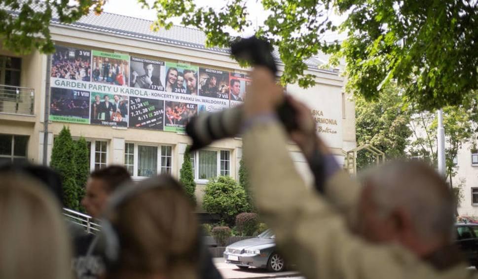 """Film do artykułu: Kolejne protesty przeciwko """"Klątwie"""". Spektakl za kilka dni"""