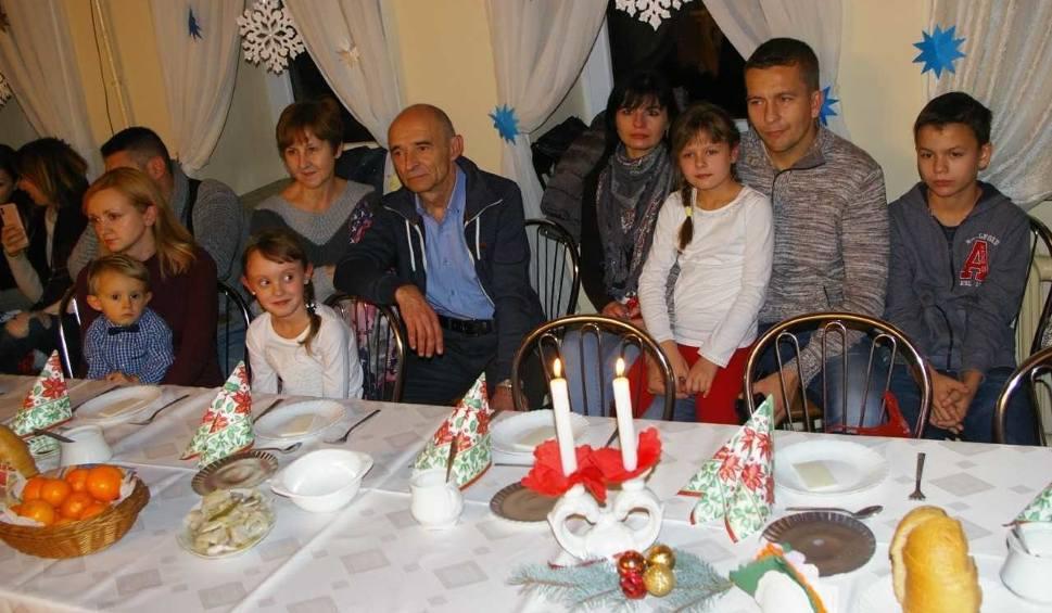 """Film do artykułu: Spotkanie opłatkowe dla starszych i samotnych w Klubie Spółdzielczym """"Wanacja"""" w Starachowicach"""