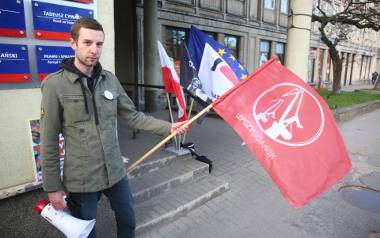 Antykoncepcja jest ok. Protest pod siedzibą PiS w Gdańsku i Gdyni [ZDJĘCIA]