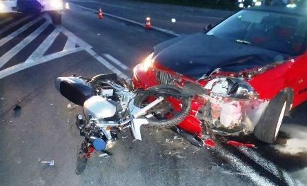 Wypadek motocyklisty na granicy powiatów [ZDJĘCIA]