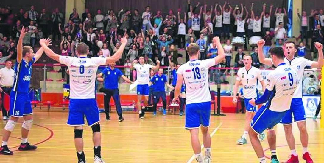Siatkarze Ślepska sezon I ligi rozpoczęli od dwóch wygranych u siebie.