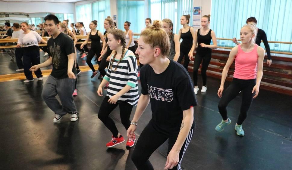 d73ffade01c9 Wietnamczyk uczył tańca popping w Stalowej Woli - echodnia.eu
