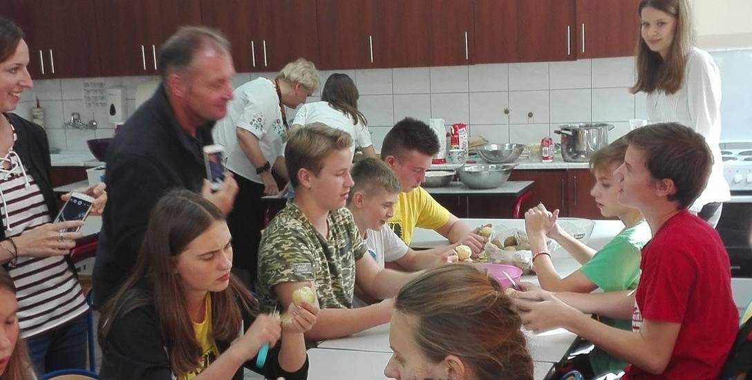 Ostatnio młodzież z Emsdetten spędziła kilka owocnych dni dzięki gościnności chojnickiej SP nr 7.