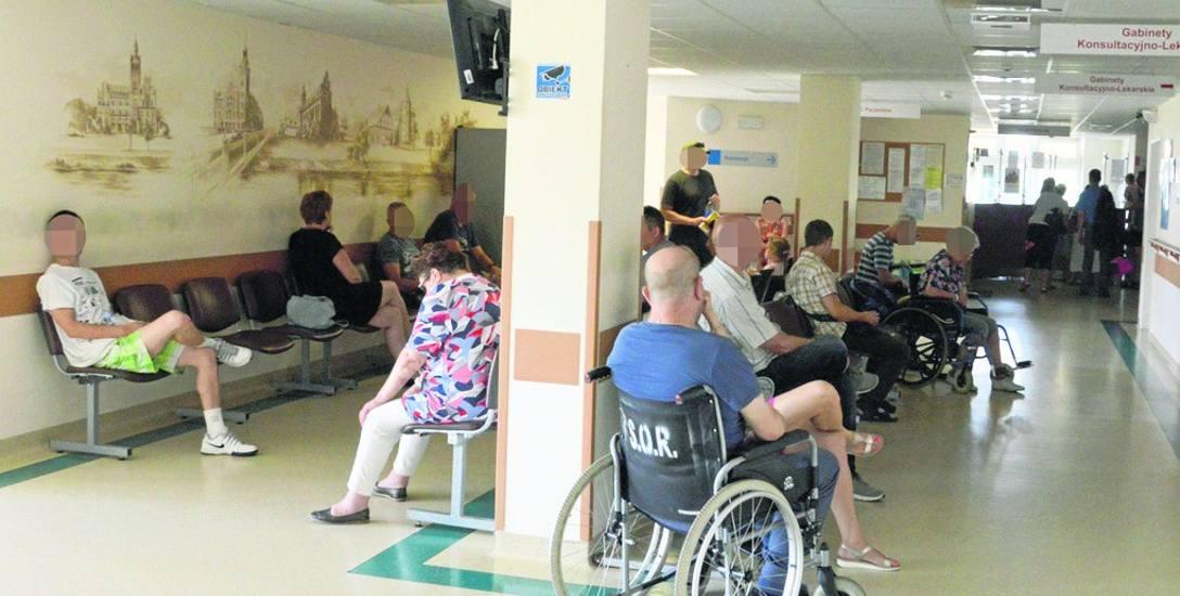 Fala upałów jaka przyszła do nas w ostatnim czasie spowodowała, że zwiększyła się liczba pacjentów trafiających na SOR. Teraz lekarze przyjmują nawet