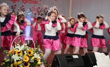 Akademię, zwiedzanie budynku, wystawę, koncert w wykonaniu uczniów   przygotowano dla gości, którzy w czwartek uczestniczyli  w obchodach 125-lecia Szkoły