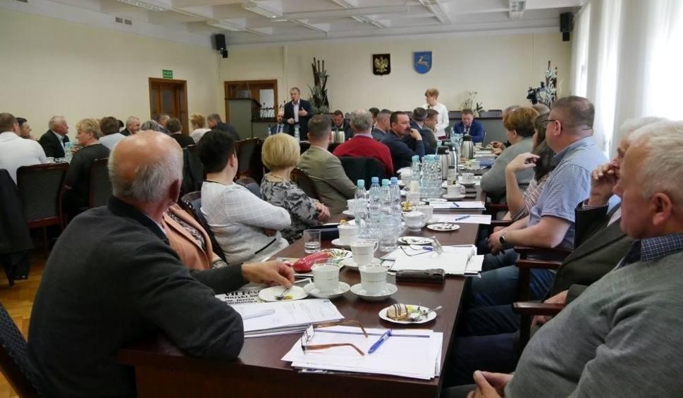 Film do artykułu: Kozienice. Sołtysi i przewodniczący komitetów osiedlowych zaczęli nową kadencję. Za nimi pierwsza narada