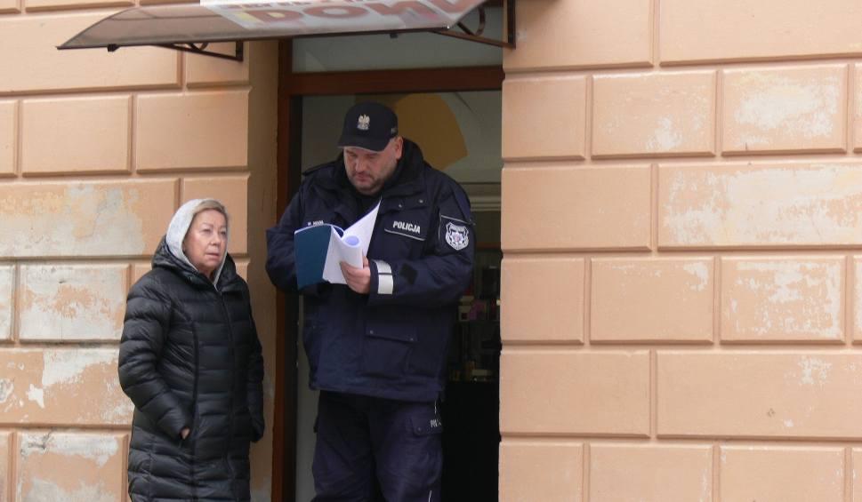Film do artykułu: Poranne morderstwo w Sandomierzu. Ekipa Ojca Mateusza wróciła na plan filmowy (ZDJĘCIA, WIDEO)