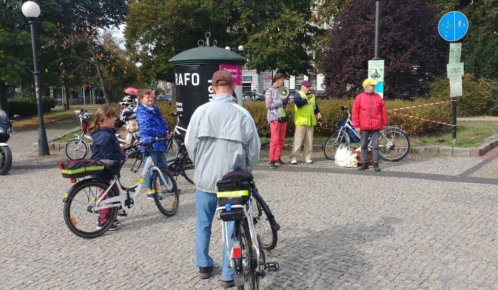Film do artykułu: XIX Europejski Dzień Roweru w Szczecinie: Kameralne spotkanie i przejazd z policją [wideo]