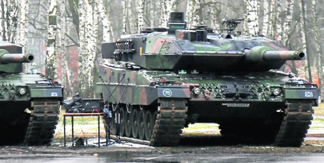 W tamtym roku z Żagania do Wesołej pod Warszawą przeniesiono batalion z 58 leopardami.
