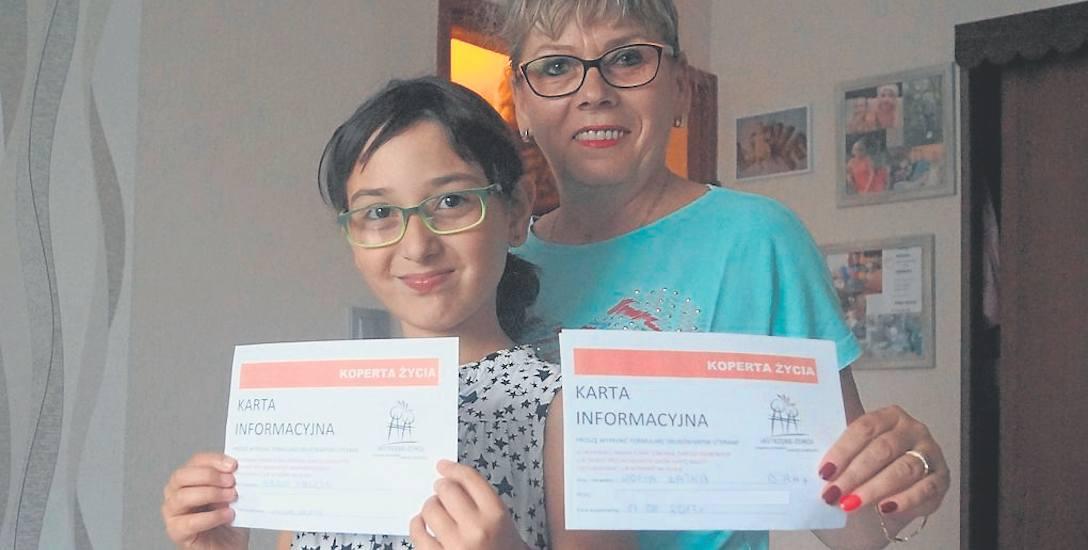 """Zofia Łatka i jej 10-letnia córka Ania odebrały """"Koperty Życia"""" z urzędu. - To świetna akcja - mówią"""