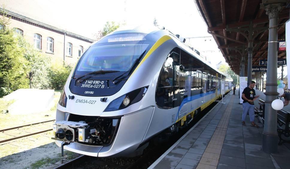 Film do artykułu: Nowy rozkład jazdy PKP. Więcej pociągów, a co z cenami biletów w związku z podwyżką cen prądu?