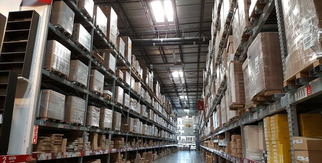 W Grossbeeren mieści się wiele firm. Można go porównać do strefy ekonomicznej w Polsce. Poza magazynami Ingramu mieszczą się też inne duże firmy. Tam