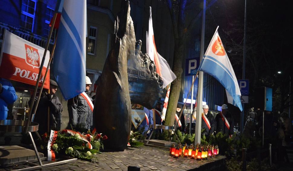 Film do artykułu: Rocznica wprowadzenia stanu wojennego. Uroczystości w Gdyni [zdjęcia]