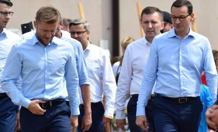 Premier Mateusz Morawiecki w Truskolasach [ZDJĘCIA]. Początek nowego programu: budowa boisk piłkarskich