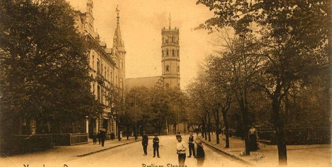 Na projektowanych ulicach w Nowej Soli przewidywano miejsce dla drzew. Na pocztówce centrum miasta z 1906 roku